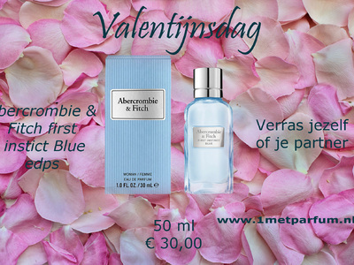 Abercrombie & Fitch First Instict Blue